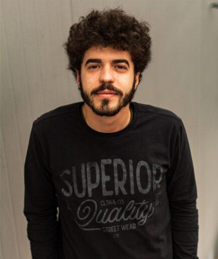 crna muska bluza sa printom